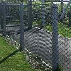 Ограда с бетонови колове